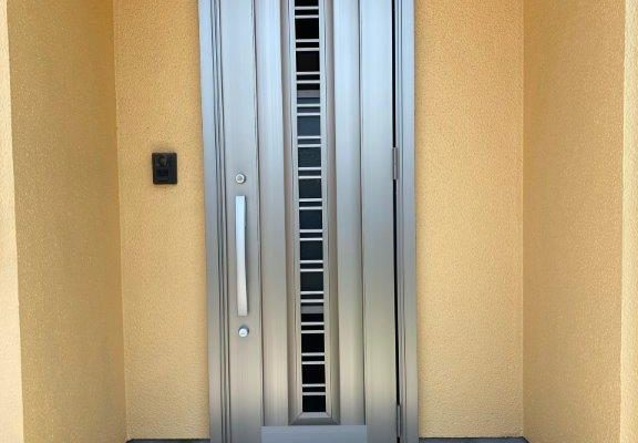 玄関ドア1dayリフォーム